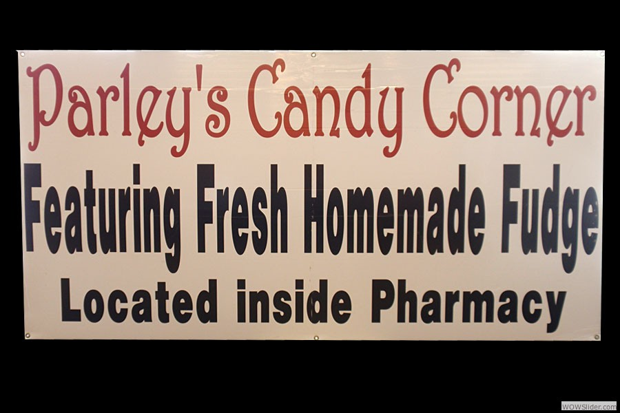 candy-corner-sign